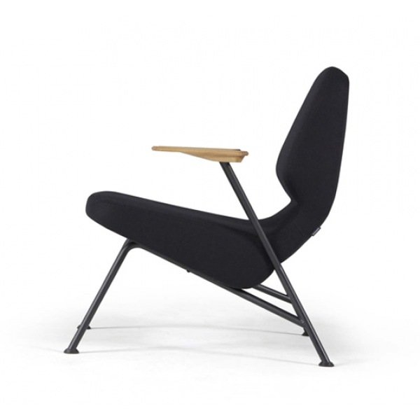 Oblique metal armchair