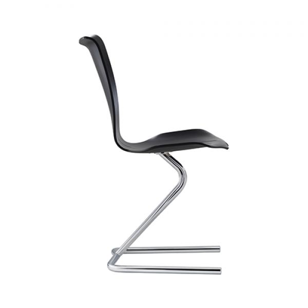 B6 chair